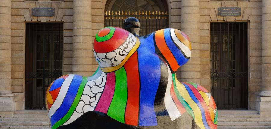 """Niki de Saint Phalle, """"Nana-Maison II"""", 1966-1987. Donation Niki de Saint Phalle/Sprengel Museum, Hannover.  © 2018 Niki Charitable Art Foundation, All rights reserved  Photo : © Monnaie de Paris - Aurélien Mole"""