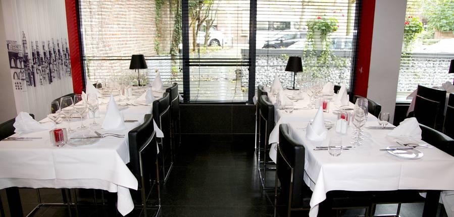 La salle du restaurant mezzo drem