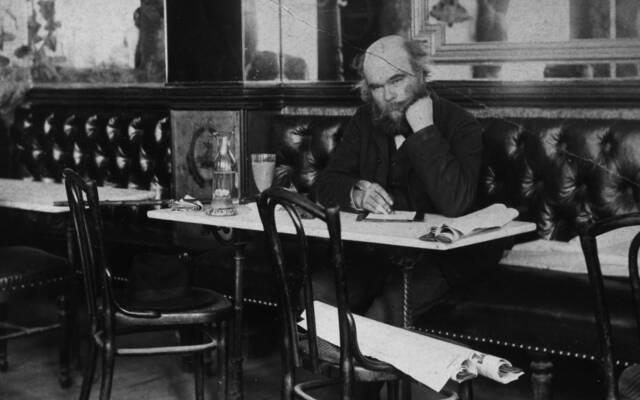 Torturé par sa passion pour Rimbaud, Verlaine réalise un travail d'introspection à Mons, lors de son incarcération