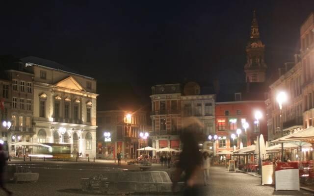Un tour de  « Grand-Place » à Mons