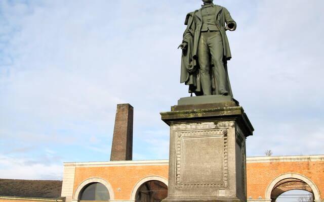Statue d'Henri De Gorge, au coeur du Grand-Hornu - Copyright S.Hennebique