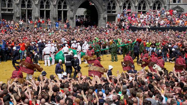 Un dimanche trépidant à la Ducasse de Mons