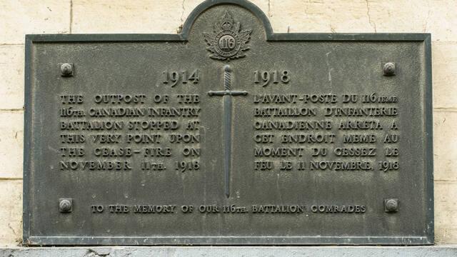4. Les plaques commémoratives de Casteau