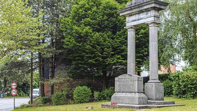 """10. Le monument de """"La Bascule"""""""
