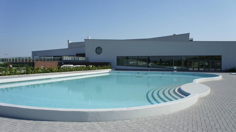 Lago Mons, bien plus qu'une piscine !